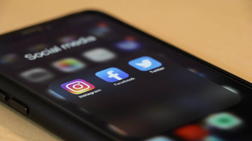 Épisode 23 – Facebook doit-elle faire taire les trolls ?